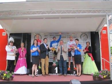Siegereherung bei der Thüringen-Rundfahrt in Ichtershausen