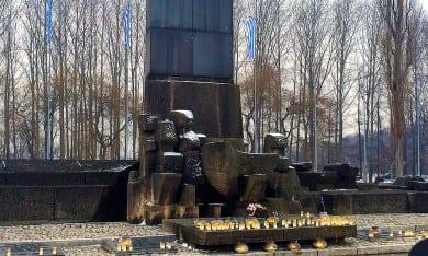 Gedenken der Opfer des Nationalsozialismus in Auschwitz