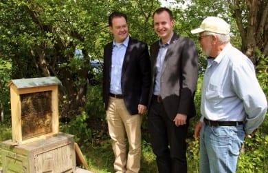 Gemeinsam mit Landtagskandidat Andreas Bühl besuchte ich den Lehrbienenstand in Ilmenau
