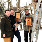 Beim Aufhängen von Nistkästen mit Andreas Bühl und Rüdiger Volk in Stützerbach