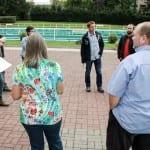 Im Gespräch mit Bürgern aus Wölfis zum Erhalt des Schwimmbads